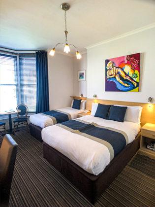 Triple Bedroom Spring 2020